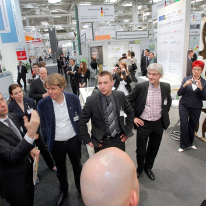 Prime minister of Baden Wuerttemberg visits fair stand in Hannover